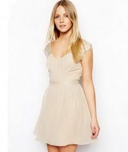 Jednostavne haljine u dve boje