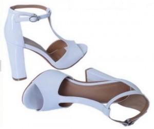 Lakovane sandale